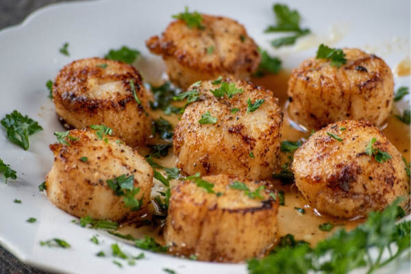 these seared scallops with sweet chilli sauce are